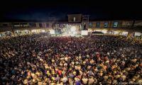 """Al Valdichiana Outlet Village sabato 25 luglio 60 mila presenze per """"Valdichiana Live – 10 anni di emozioni"""""""