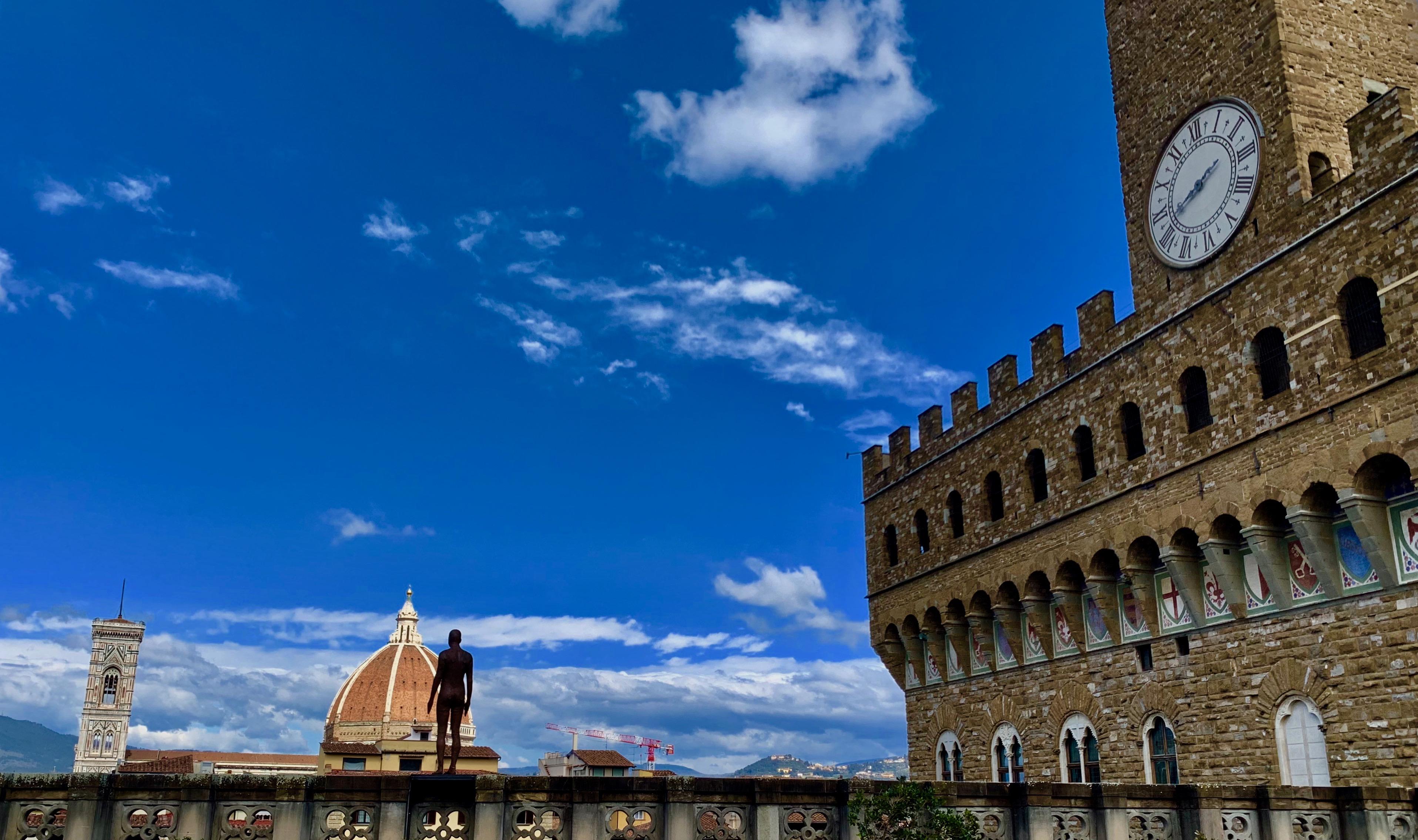 Vista su Santa Maria del Fiore e Palazzo Vecchio dalla terrazza degli Uffizi